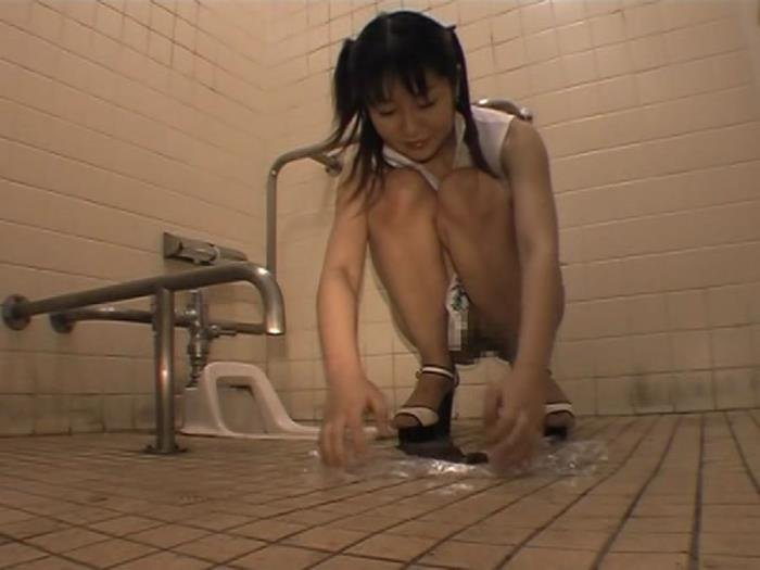 Public toilet for a young Japanese bitch [DVDRip]  2018 (Actress: ODV 218)