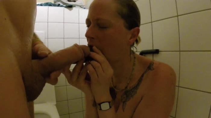 Shit snack on the sauna loo [FullHD 1080p]  2018 (Actress: ScatSusan)
