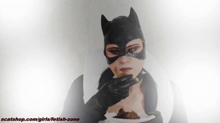 Catwoman smears and swallows [FullHD 1080p]  2019 (Actress: Fetish-zone)