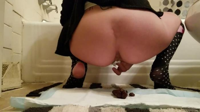 Frontal poop and masterbate with turd [FullHD 1080p]  2020 (Actress: FoxyJ)