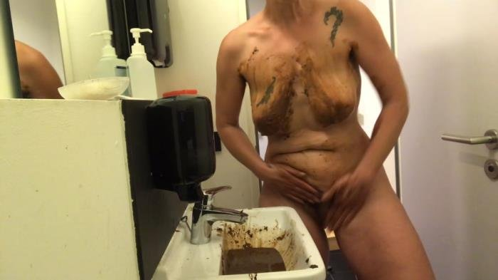 Washing with shit [FullHD 1080p]  2020 (Actress: NoraNature)