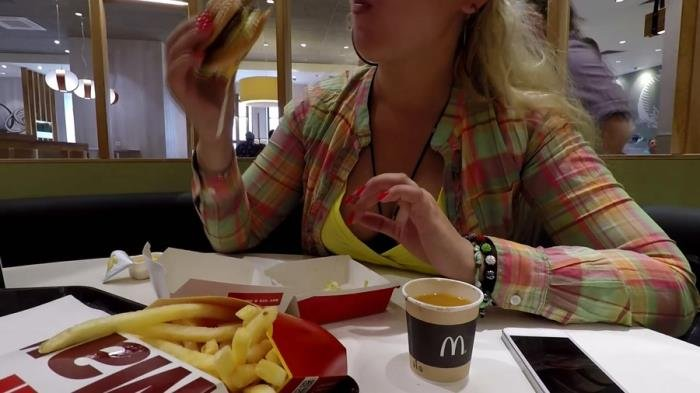 McDonalds Poop and Pee [FullHD 1080p]  2020 (Actress: Janet)