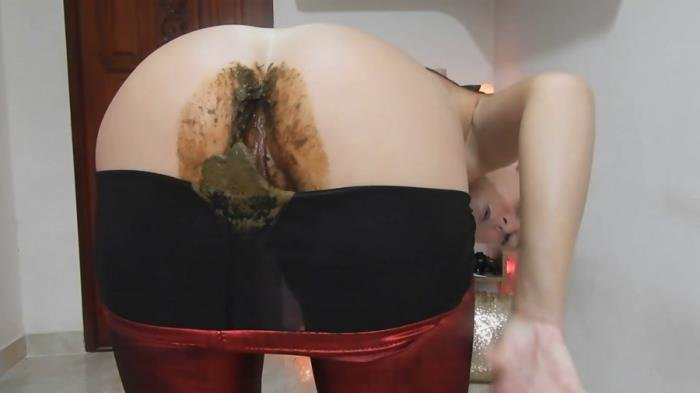 Nasty Nasty Red Shiny Leggings Poo/Farts [FullHD 1080p]  2020 (Actress: MissAnja)